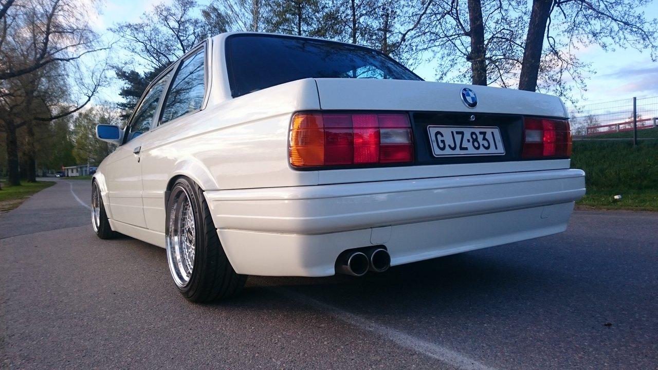 BMW E30 M-tech II  - Sivu 7 DSC_0317