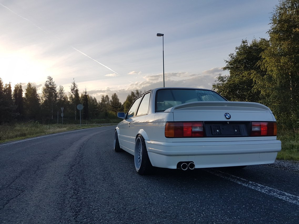 BMW E30 M-tech II  - Sivu 7 20160730_055003