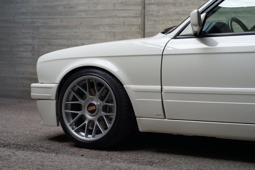 BMW E30 M-tech II  - Sivu 7 DSC08037
