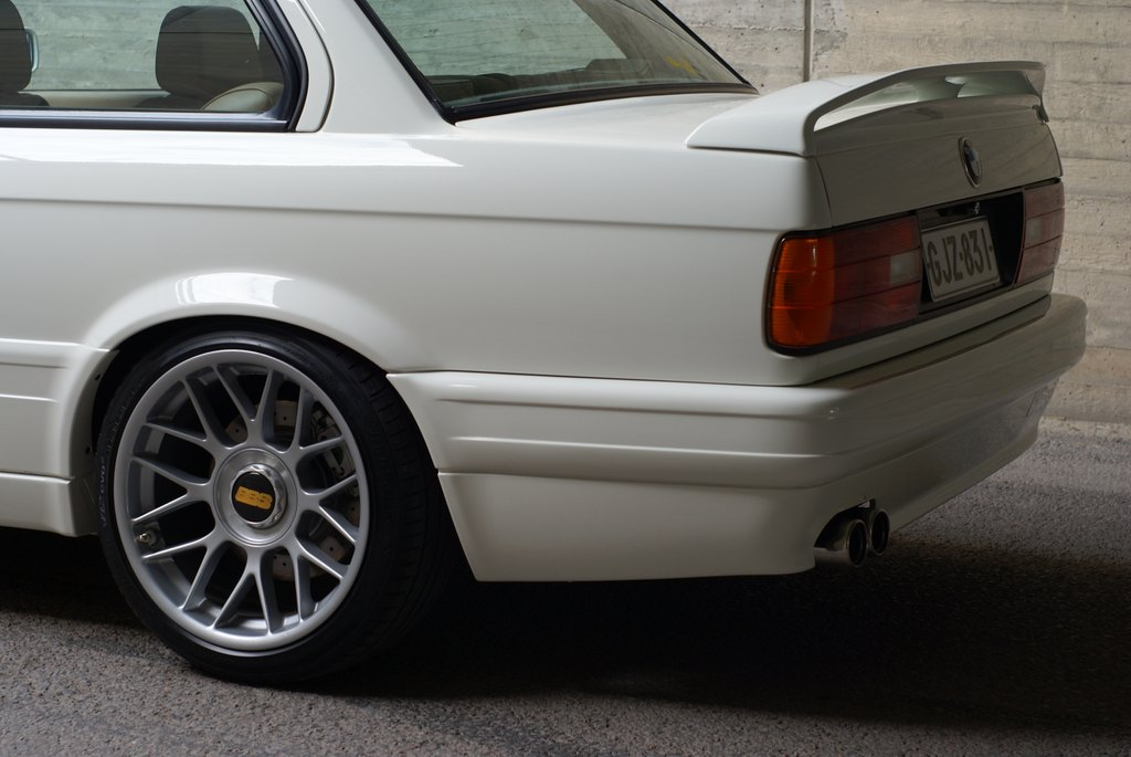 BMW E30 M-tech II  - Sivu 7 DSC08038