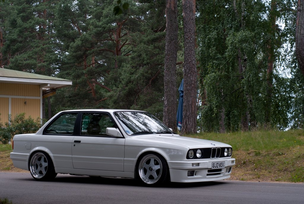 BMW E30 M-tech II  - Sivu 6 Medium