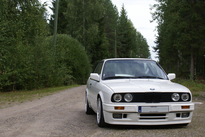 BMW E30 M-tech II  _small