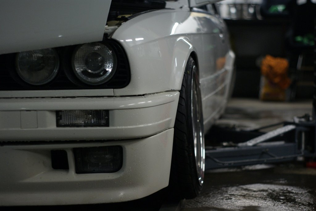 BMW E30 M-tech II  - Sivu 2 _big